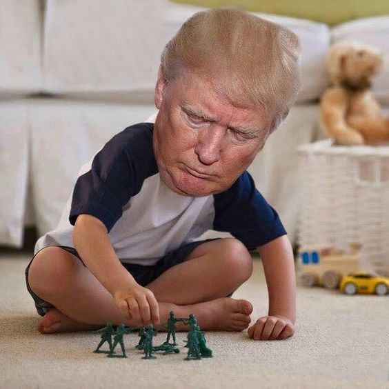 LMAO Definotely Needed A Good Laugh Way TOO FUNNY Two - The internet is using photoshop to make tiny trumps and its hilarious