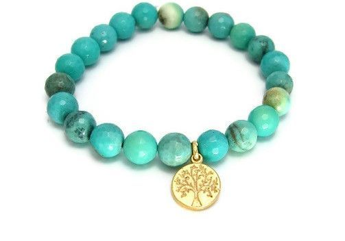 Tree of life bracelet gathers nourishment from mother earth and reaches to the heavens. It symbolizes stability and strength while reminding us to reach for our dreams. Chrysoprase is the symbol of su