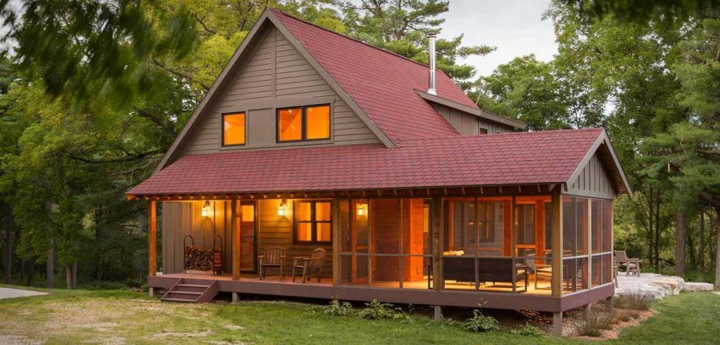 COSY 1,600 SQ. FT. WOODEN TROUT FISHING CABIN (8 HQ