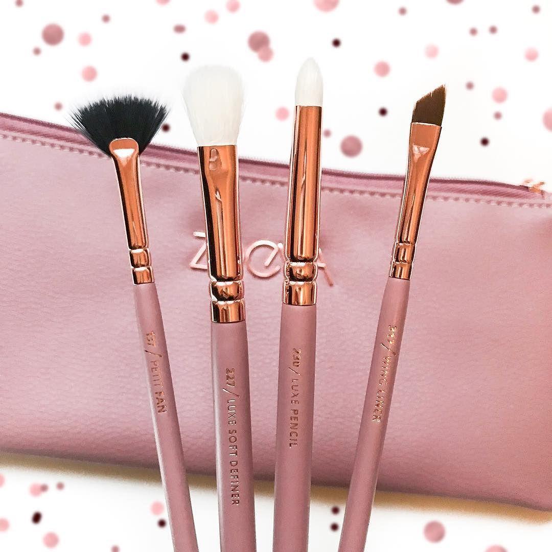 αυυυвreyтαтe ☾♡ (With images) Fan brush makeup, Duo