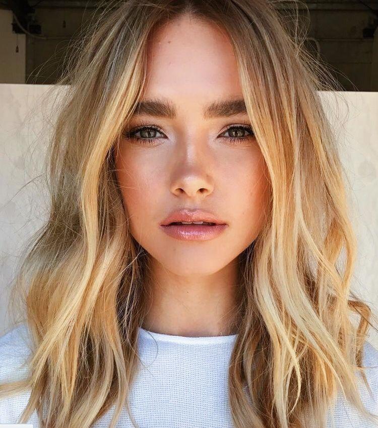 Glossy Lips Glowing Bronzed Skin Natural Makeup Hair