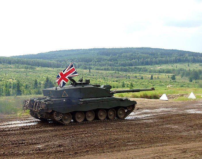 5ab44b0a81ff Challenger 2 MBT  BritishArmy  UK  Army  Tank -  UK  GB  Britain  England   Scotland  Wales  NorthernIreland  British  RoyalNavy  Navy  Naval  Sailor  ...