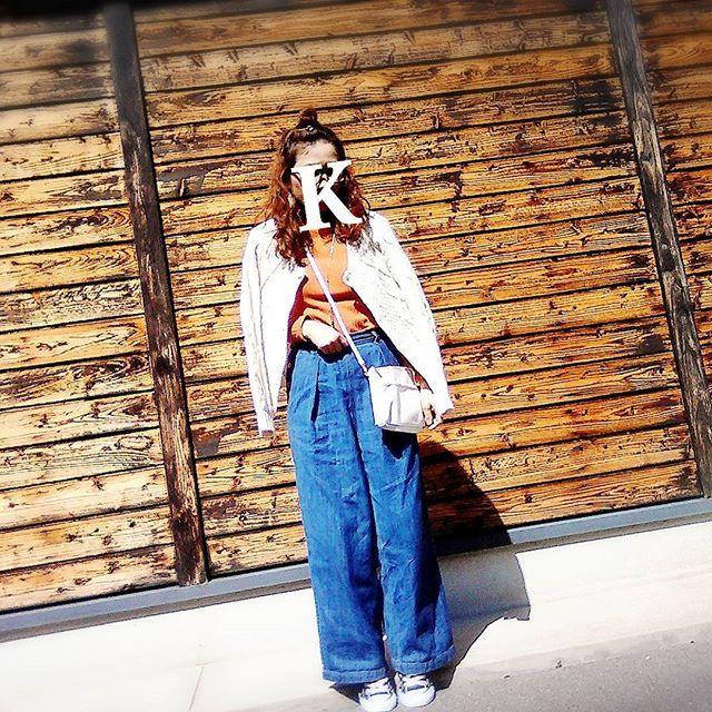 kazumin10262016.3.2(水) ぽかぽか☀ * * #今日の服 #今日のコーデ #ママコーデ #ファッション #コーデ #春コーデ #ootd #outfit #code #coordinated #today #instgood #ママ雑誌sakura #kaumo #fashion #casualcode #kgrowth #lowrysfarm #wcloset #wcloset_catalog #おだんご #コンバース#足元くら部 #accessories #denim #デニム #ワイドパンツ #mama #mamafashion