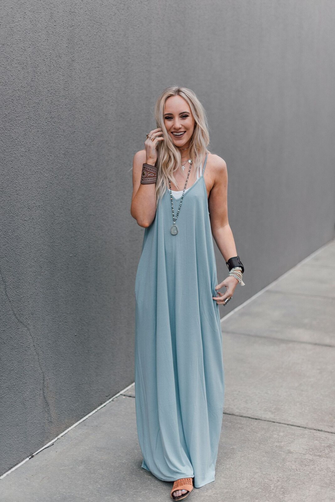 19++ Maxi dress with pockets information