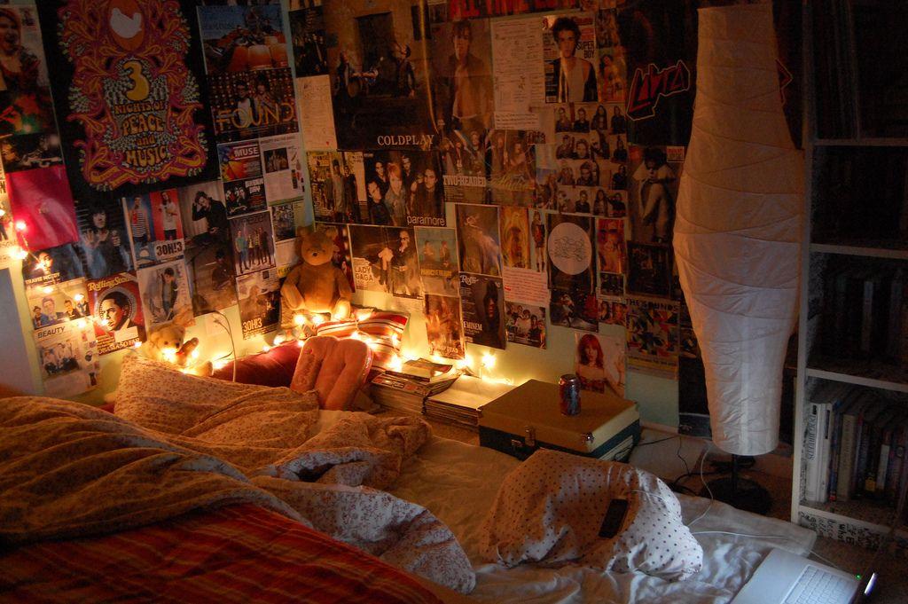 bedroom fort  tumblr rooms emo room bedroom fort