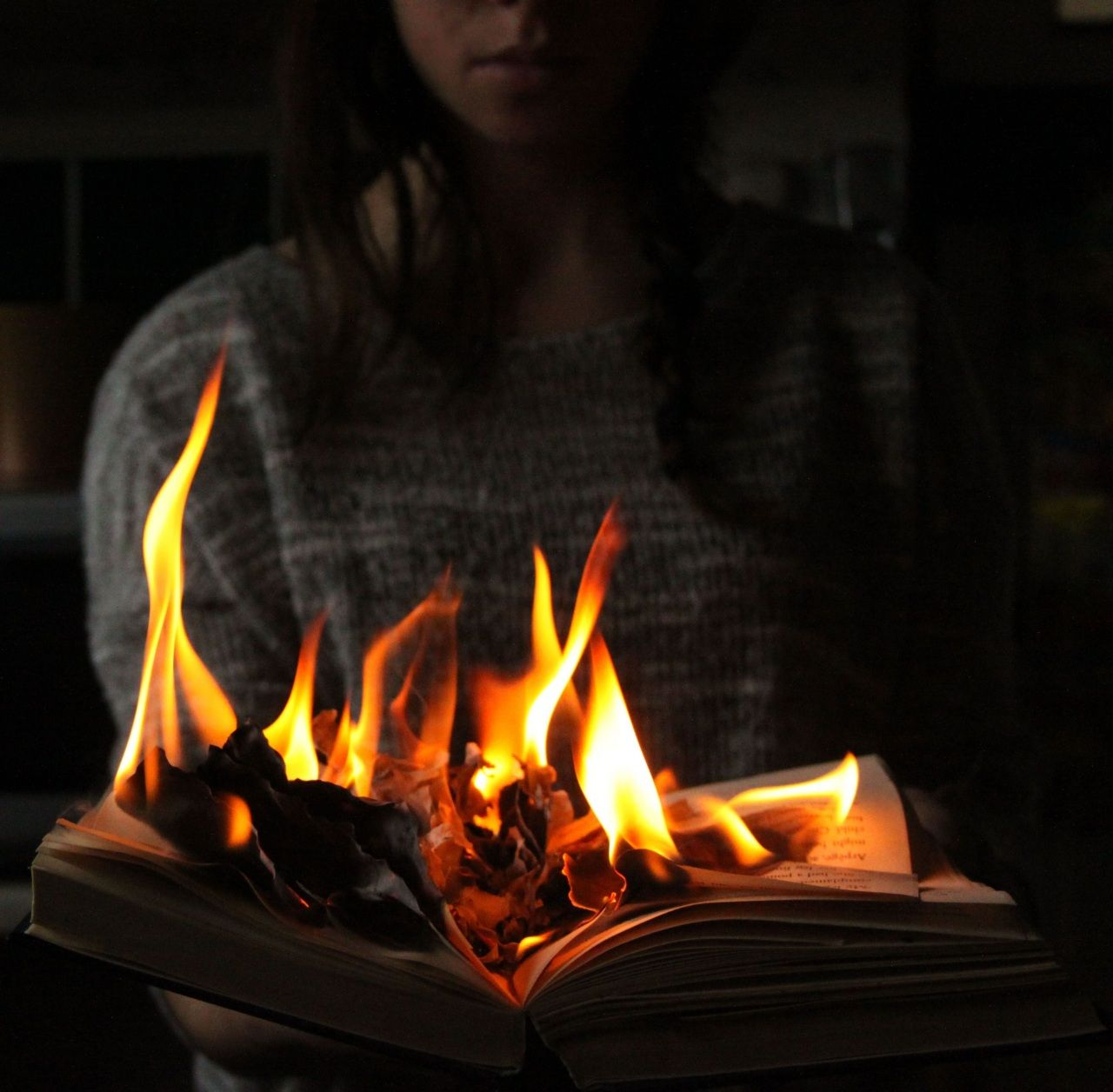 Burning Paper Aesthetic In 2020 Fire Photography Creative Photography Photography Inspo