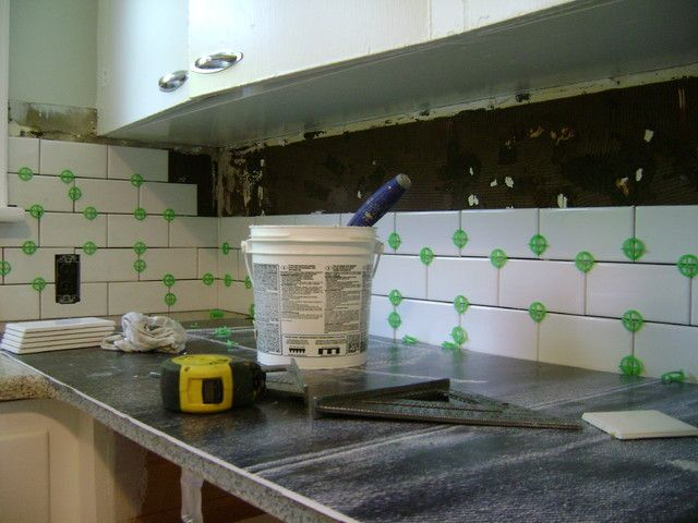 how to install a tile backsplash if you 39 ve got a steady hand a few easy to find supplies and. Black Bedroom Furniture Sets. Home Design Ideas