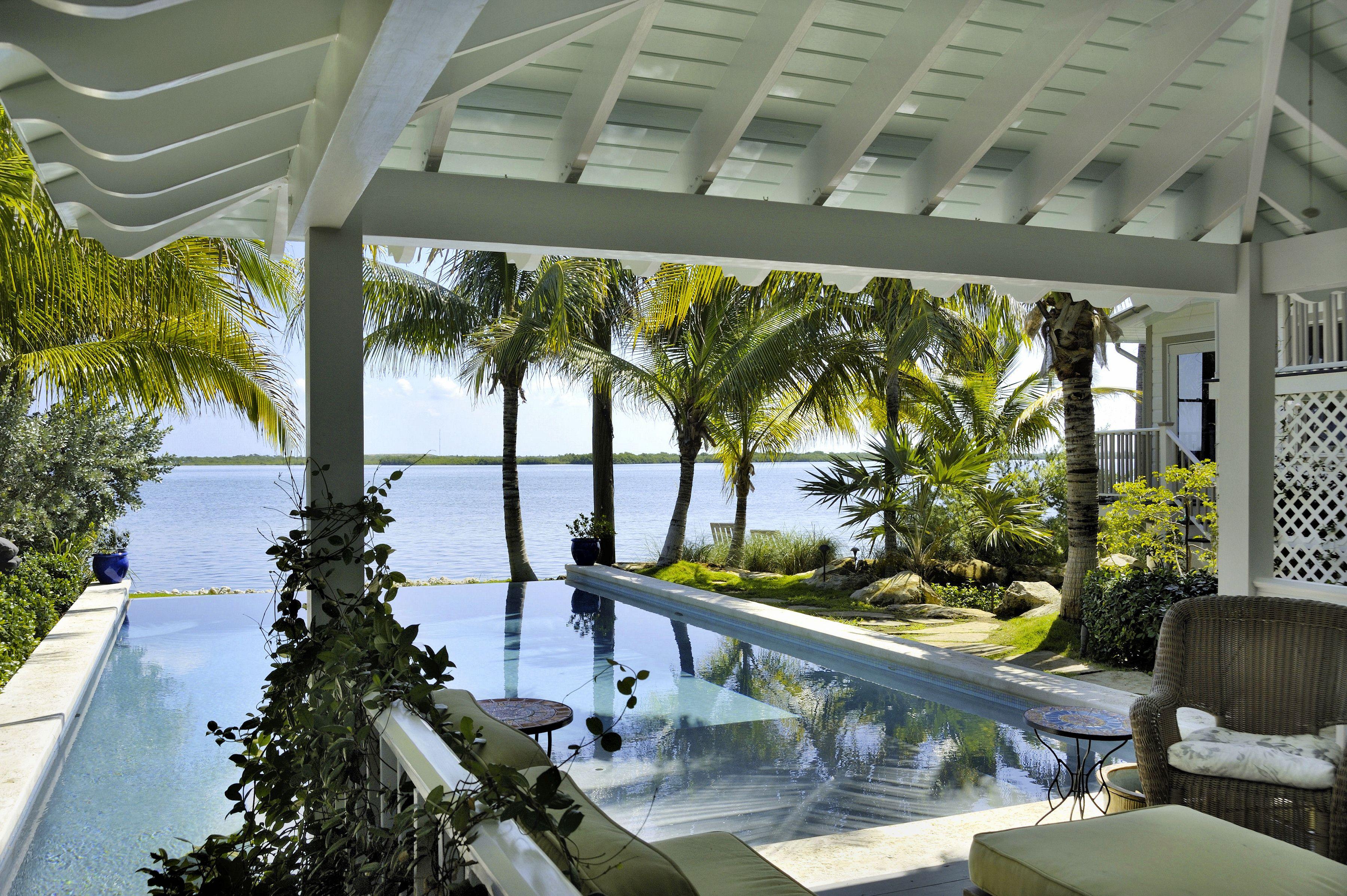 key west tropical gardens water