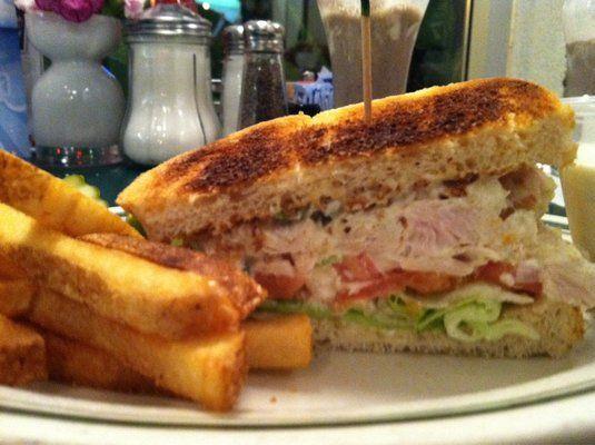 Chicken salad sandwich - Mel's diner