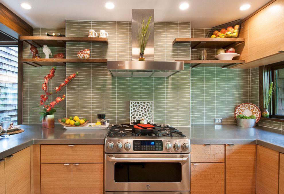 Columbus Worthington Air For A Midcentury Kitchen With A Built In