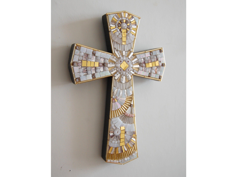 Cross Mosaic White Glass And Gold Andmulticolor Murrine Murano Millefiori Art L770 A By Tesseredimosaico On Etsy Https Www Mosaic Mosaic Crosses White Glass