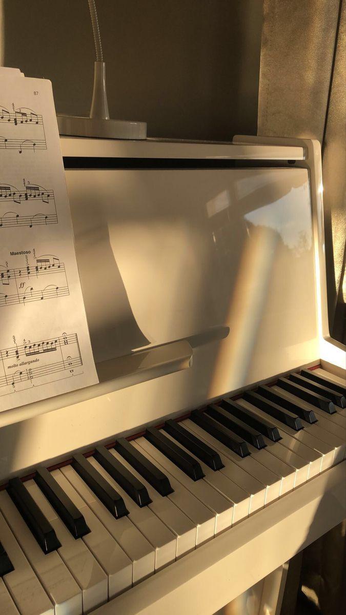 Pin By Muz On Muz Piano Music Aesthetic Music Wallpaper