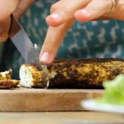 Beata gamina keptą varškės sūrį.