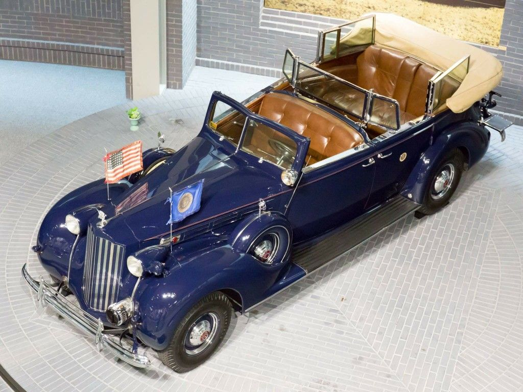 1938 Packard by Rollston: Presidential Limousine: Franklin D. Roosevelt |  Packard cars, Old vintage cars, Packard