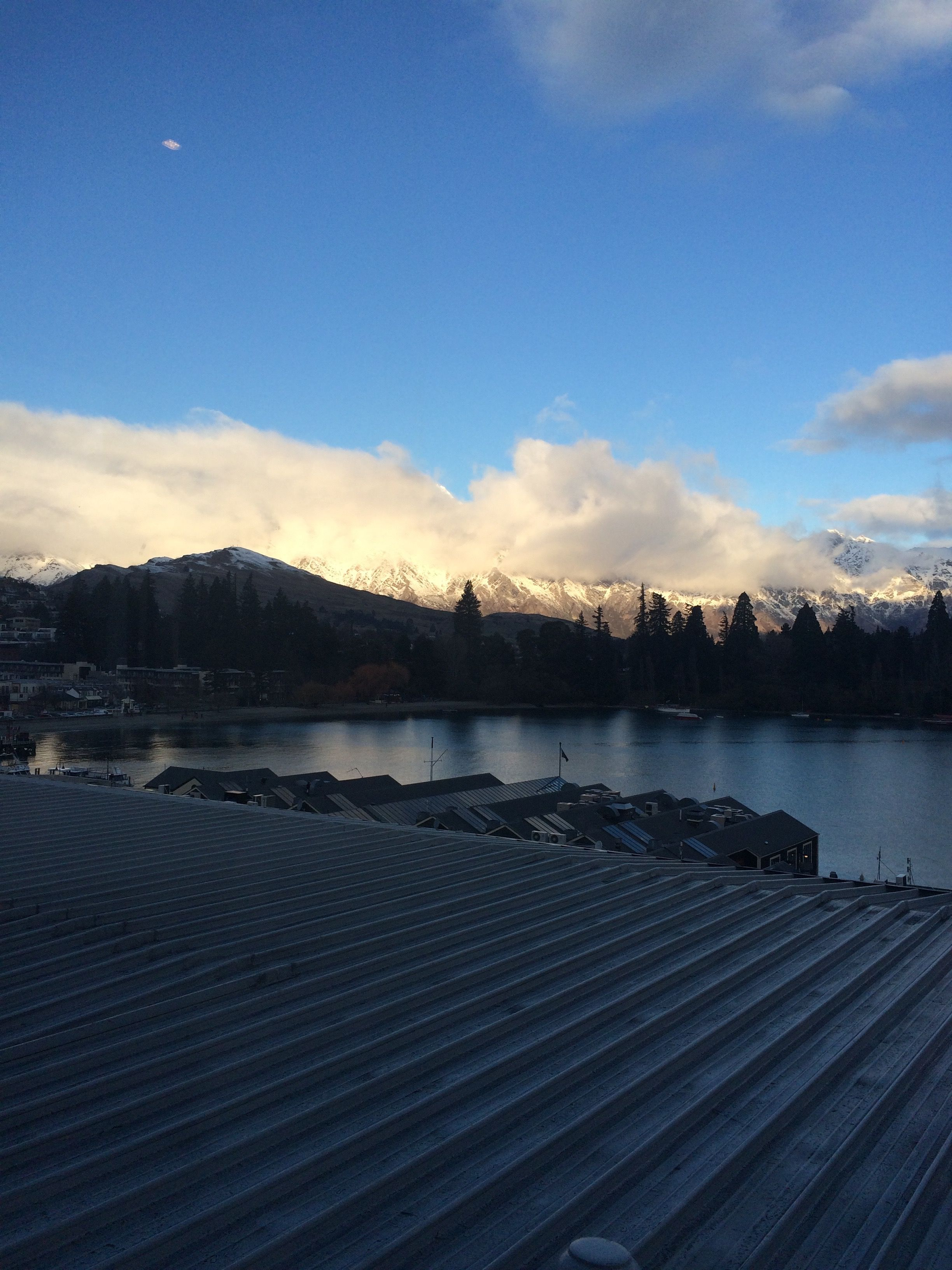 Pinterest emmadearlove :) Another pic of Queenstown. But you honestly cannot get enough of this place!