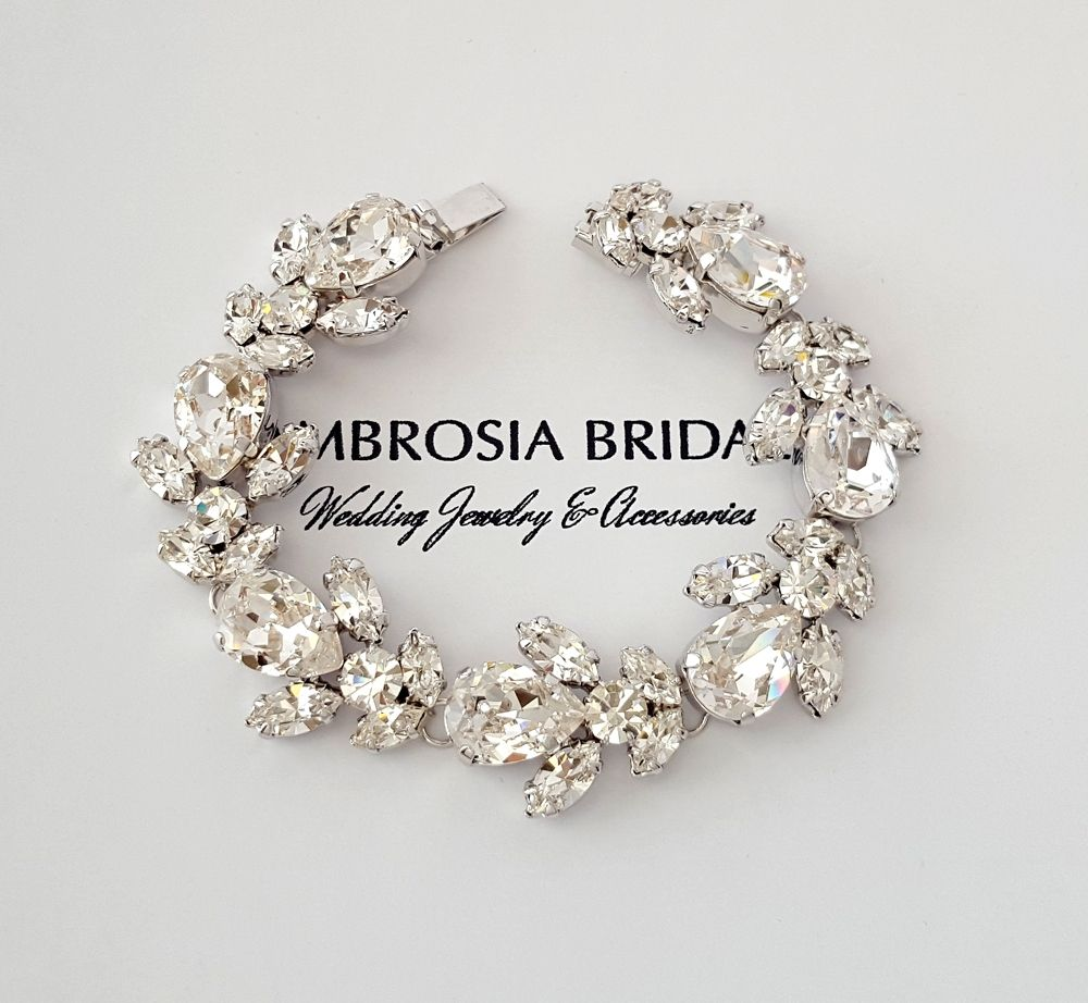 Modern meets old hollywood glam with this Swarovski crystal tennis bracelet - spectacularly fabulous!