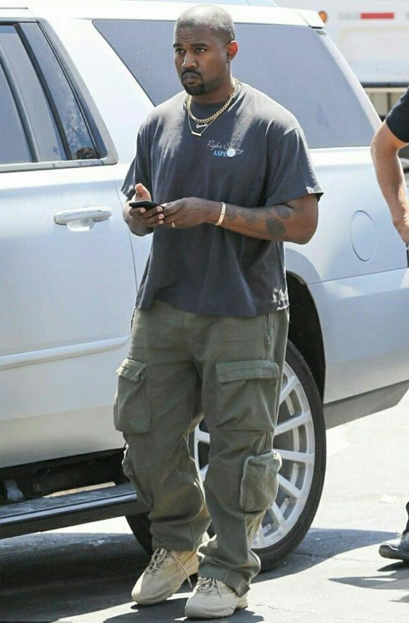 Pin By Wardba On Kanye West In 2020 Kanye West Outfits Kanye West Style Yeezy Fashion
