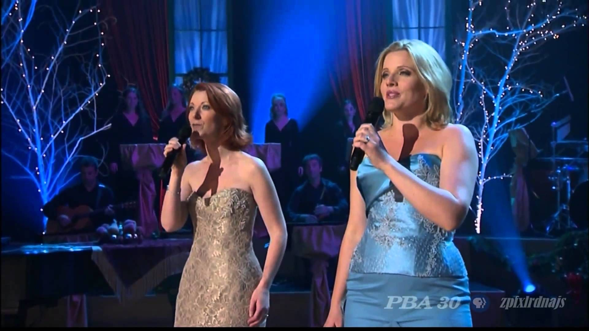 one of my favorite christmas songs do you hear what i hear from a couple of ladies from celtic woman group - Celtic Woman Christmas Songs