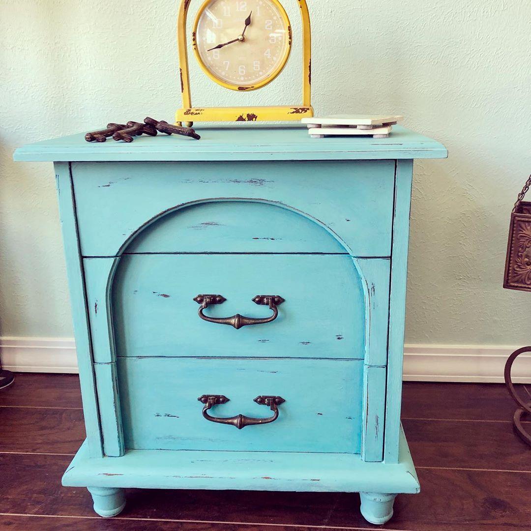 "Irresistibly Vintage on Instagram: ""Tried a new color @anniesloanhome ""Provence"" on this adorable night stand! AVAILABLE NOW....#anniesloanprovence#irresistiblyvintage…"""