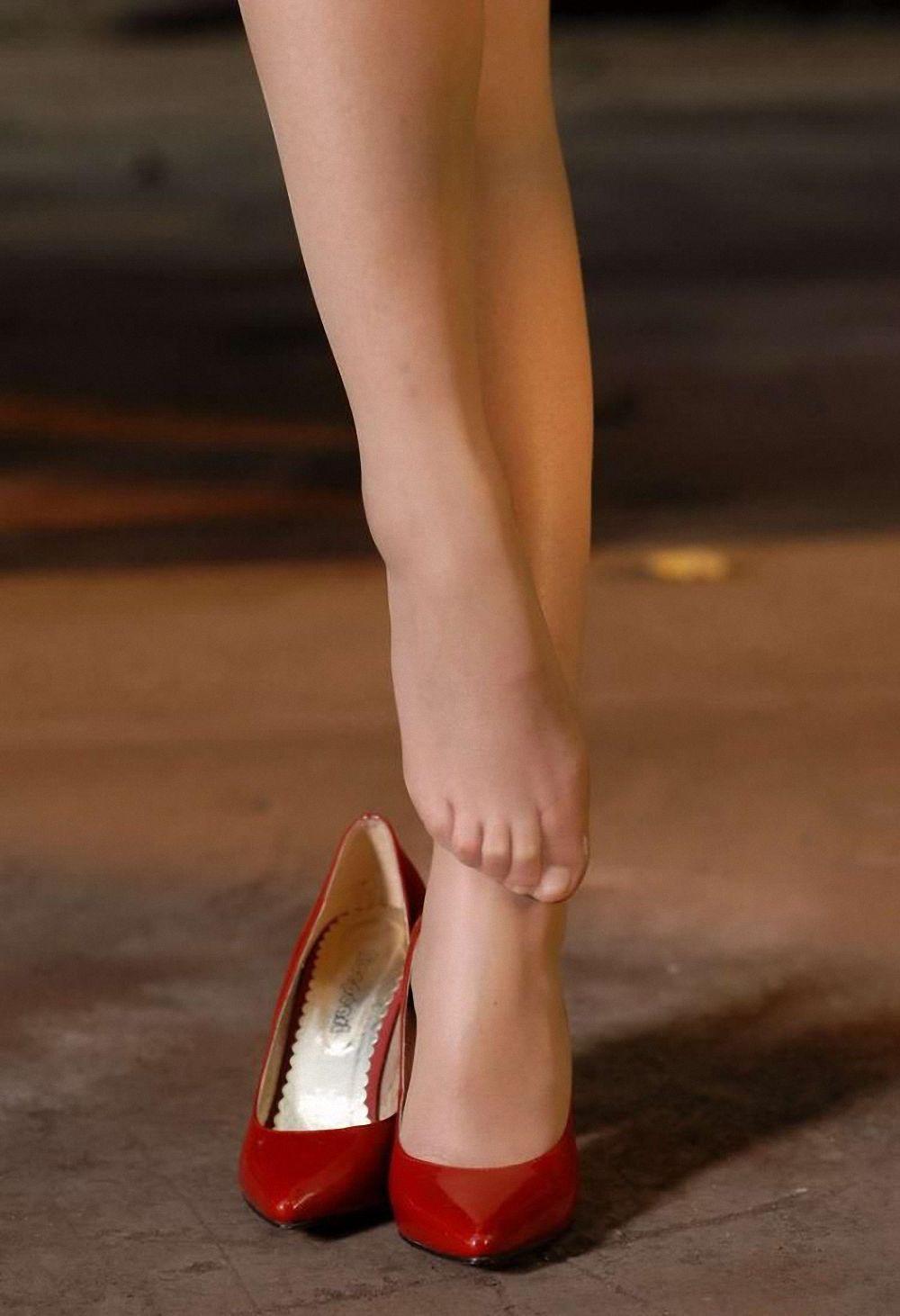 Nylon Feet | more nylons | Pinterest | Legs, Hosiery and ...