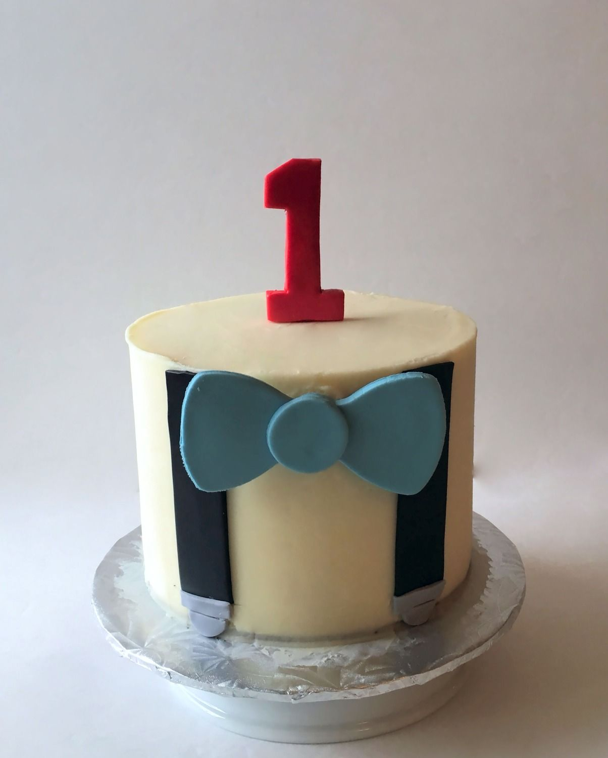 Little Gentleman Smash Cake Sweet Tweets bakeshop Pinterest