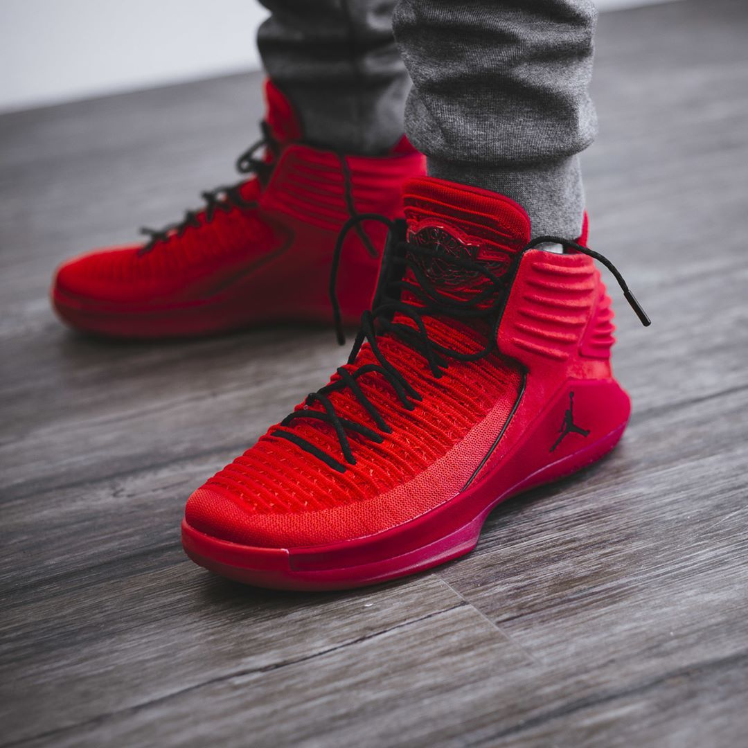 best loved bc865 8c839 Air Jordan 32 « Rosso Corsa » Credit   BSTN