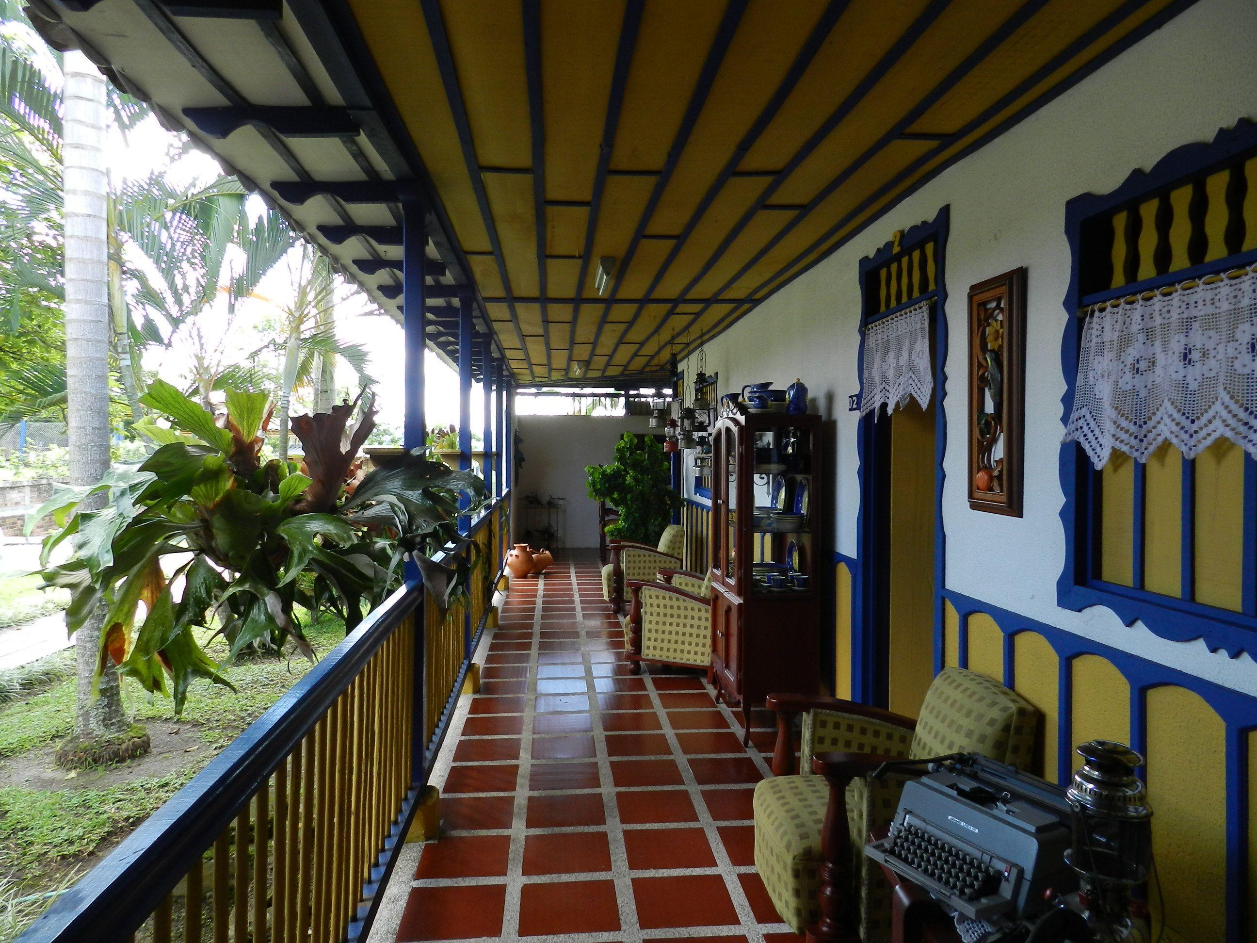 Hoteles fincas coloniales quindio finca pinterest for Modelos de fincas campestres
