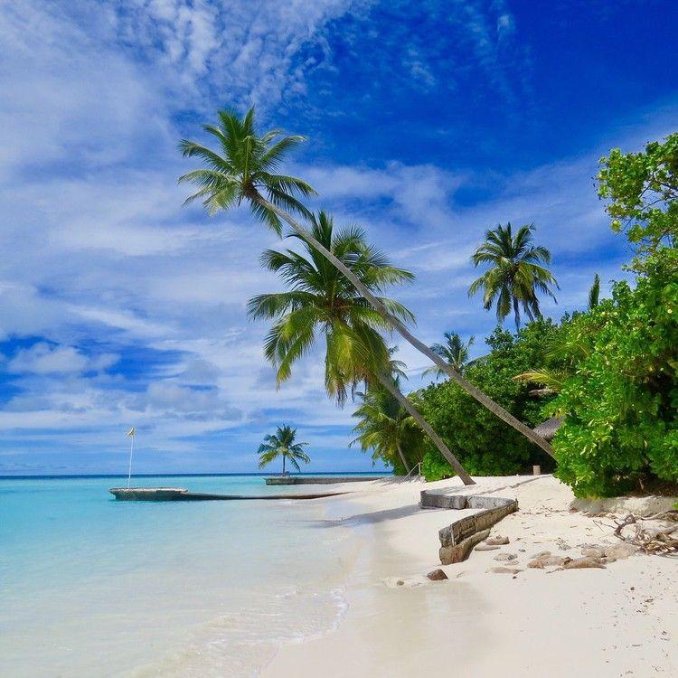 Desert Island Beach: These Stunning Resorts On Spectacular Tropical Islands