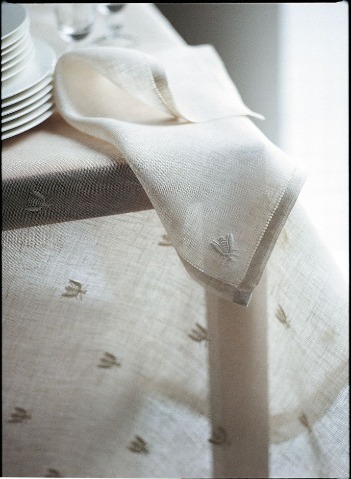 Mastro Raphael, Api, Bee, lino, linen, tende, curtains | Stickerei ...