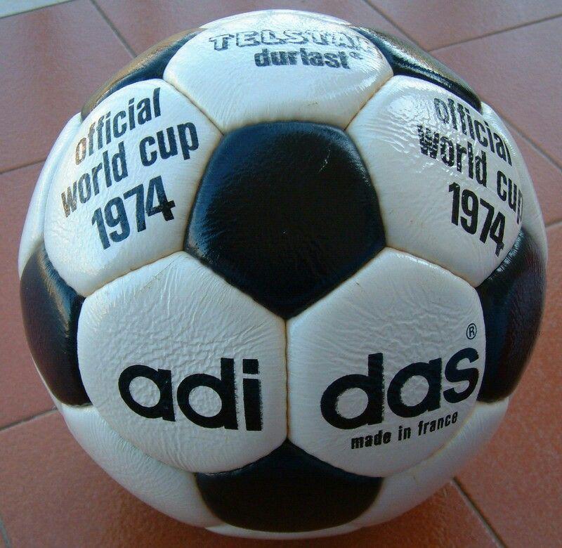 1974  Pelota Mundial ALEMANIA