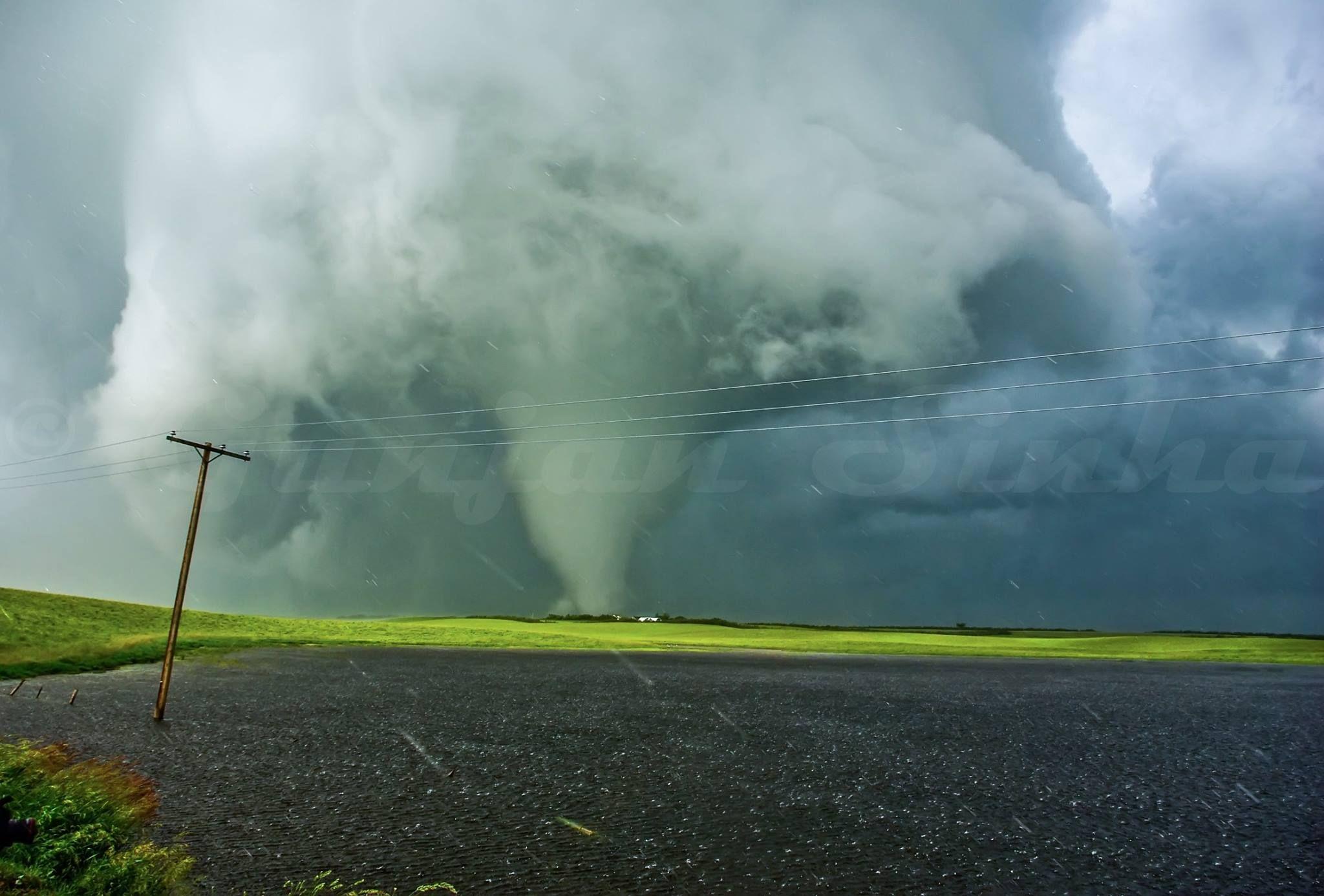 Tornado south of Moose Jaw, Saskatchewan (Canada) on June