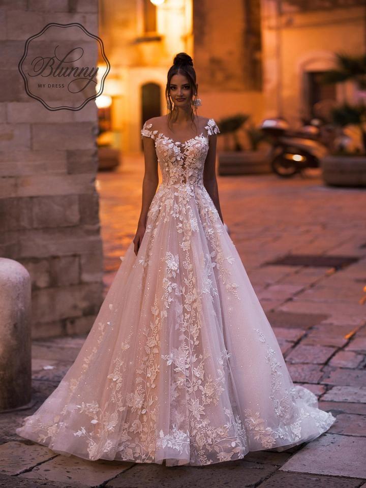 Iv/Nude/Cappuccino Lace Blandy 20009 Feminine Wedding Dress Size 12 (L)