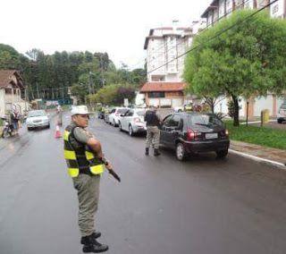 POLICIAMENTO METROPOLITANO - BM - RS: Comando de Policiamento Metropolitano / BRIGADA MI...