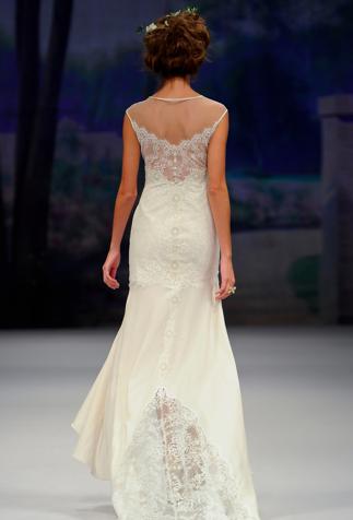 Love Claire Pettibone gowns