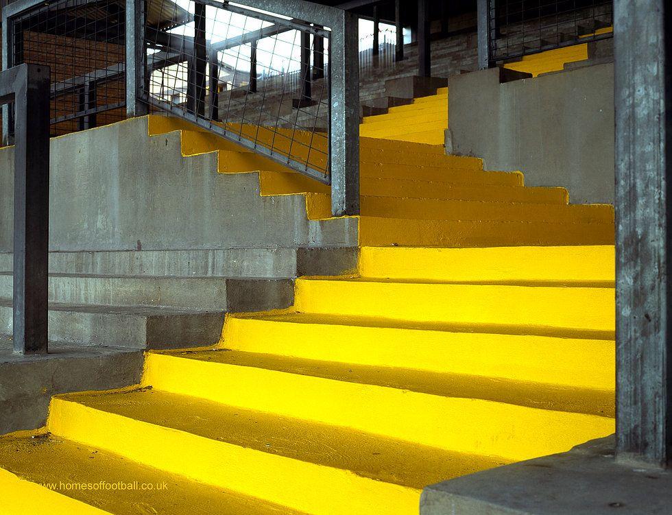 homesfootball YELLOW SAFETY STEPS AGLOW, BRADFORD CITY