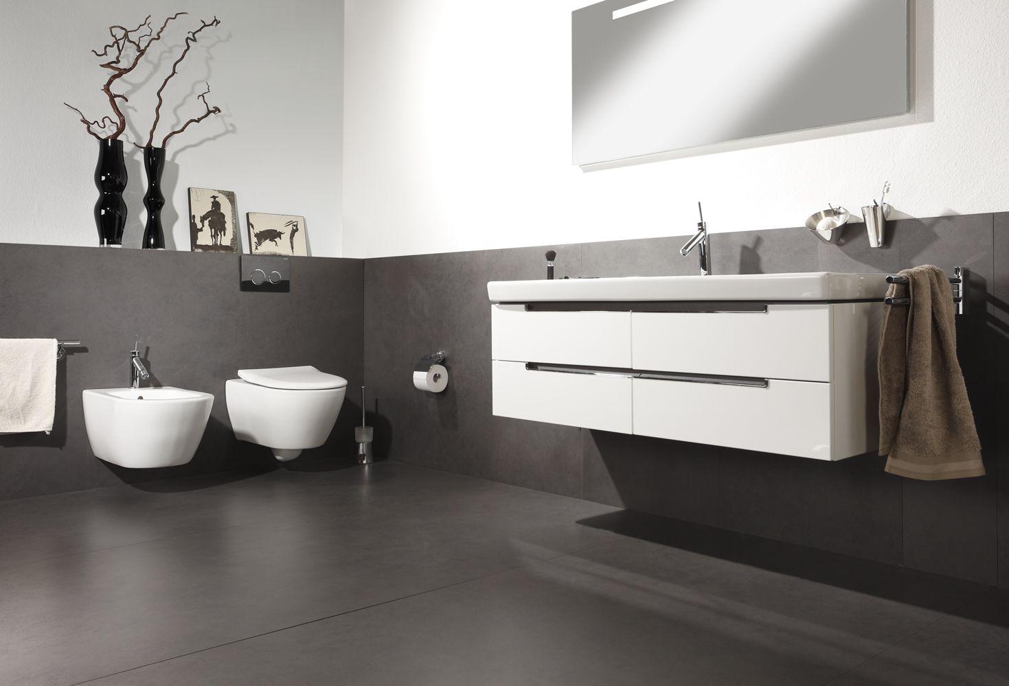 nahezu fugenloser bodenbelag von ceramax f r dusche und bad betonoptik mit plattenformaten von. Black Bedroom Furniture Sets. Home Design Ideas