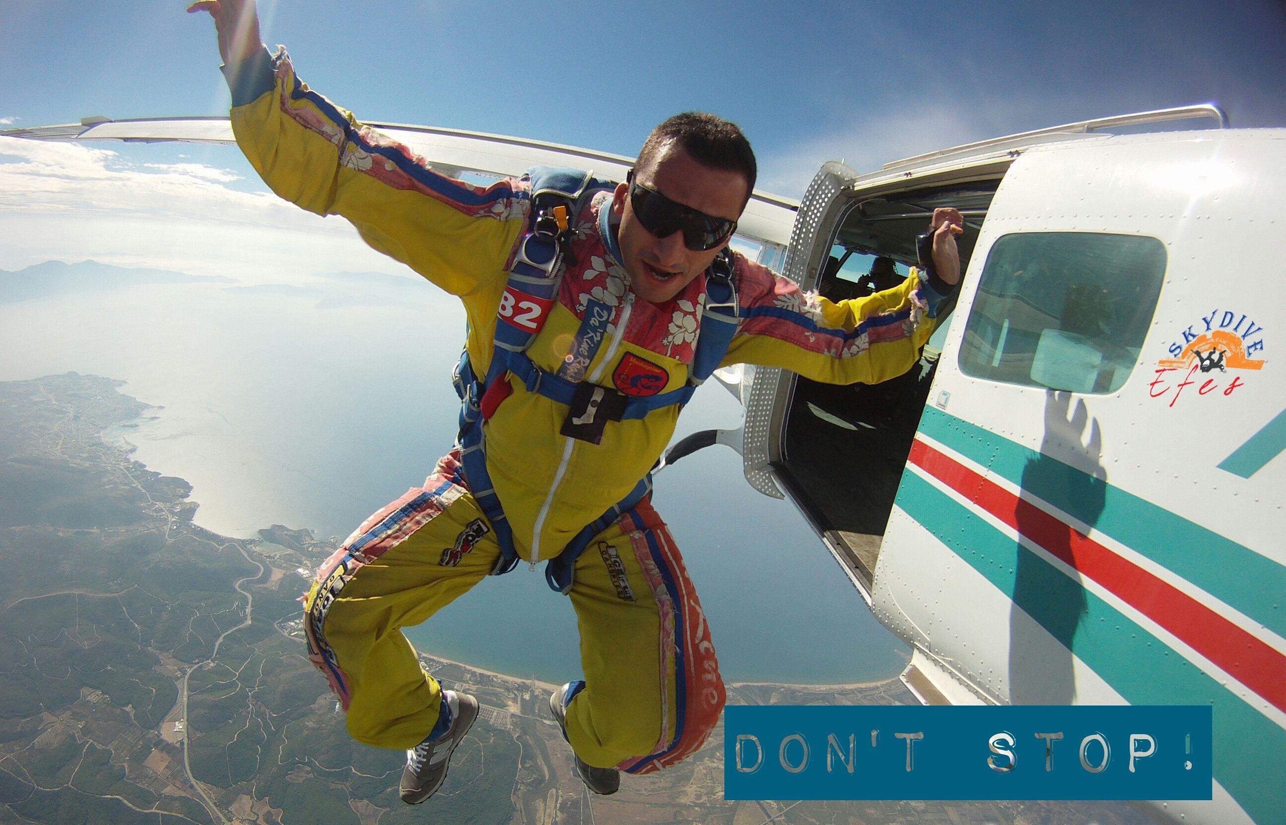 #skydiveefes #skydiving #ephesus #efesdropzone #efesdz #ephesusdropzone #dropzoneefes #skydiveturkey #justjump #tandem  #bendeatladim #freefly #skydiving #parasut #skydivers
