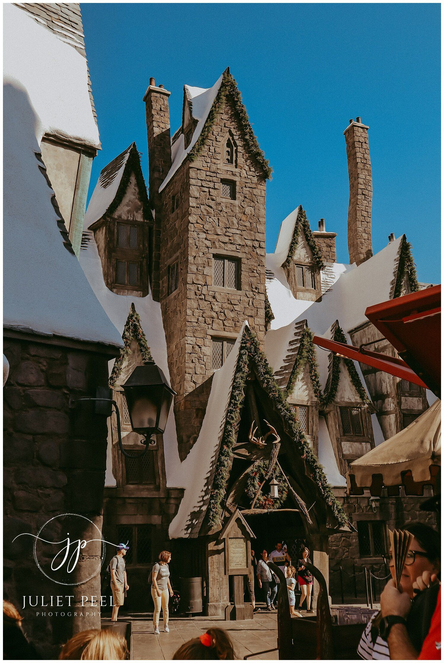 Hogsmeade And Hogwarts Castle At The Wizarding World Of Harry Potter Universal Studios Hollywood Juliet Peel Photography Harry Potter Universal Studios Harry Potter Universal Studios Hollywood Wizarding World Of Harry Potter