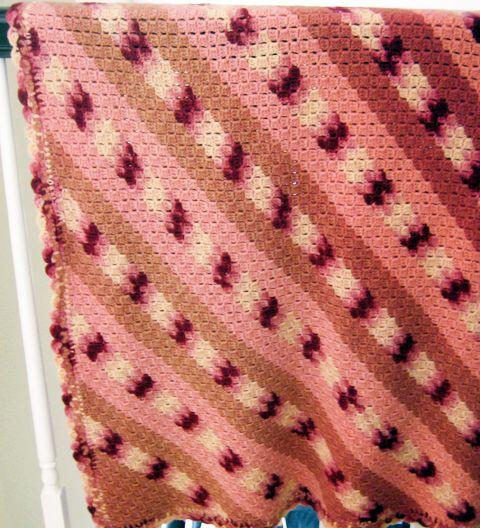 Tailgating Blanket, Vintage Version | crochet today
