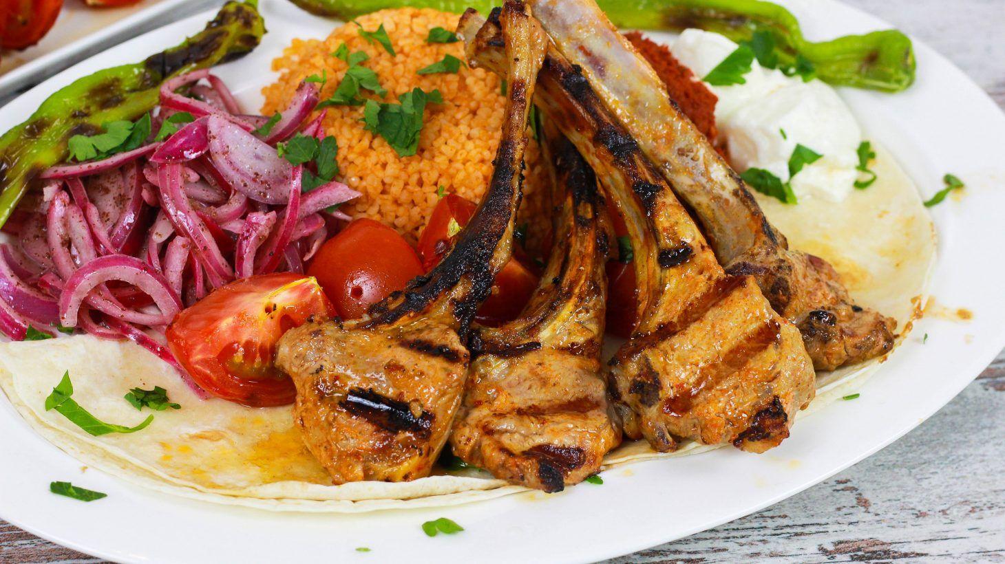 marinierte lammkoteletts auf die türkische art – pirzola