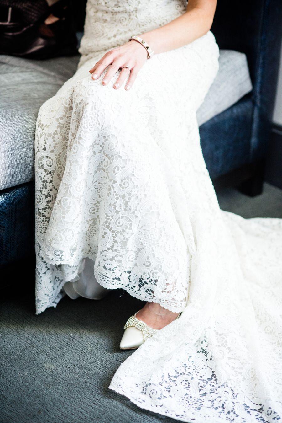Gorgeous, lace gown | Photography: W Studios New York - wstudiosnewyork.com