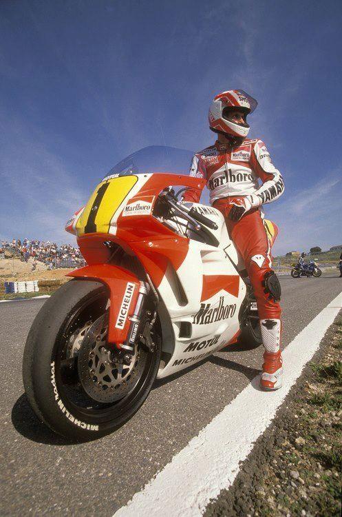 Eddie lawson motorsport pinterest motogp 500cc for Yamaha 500cc sport bikes