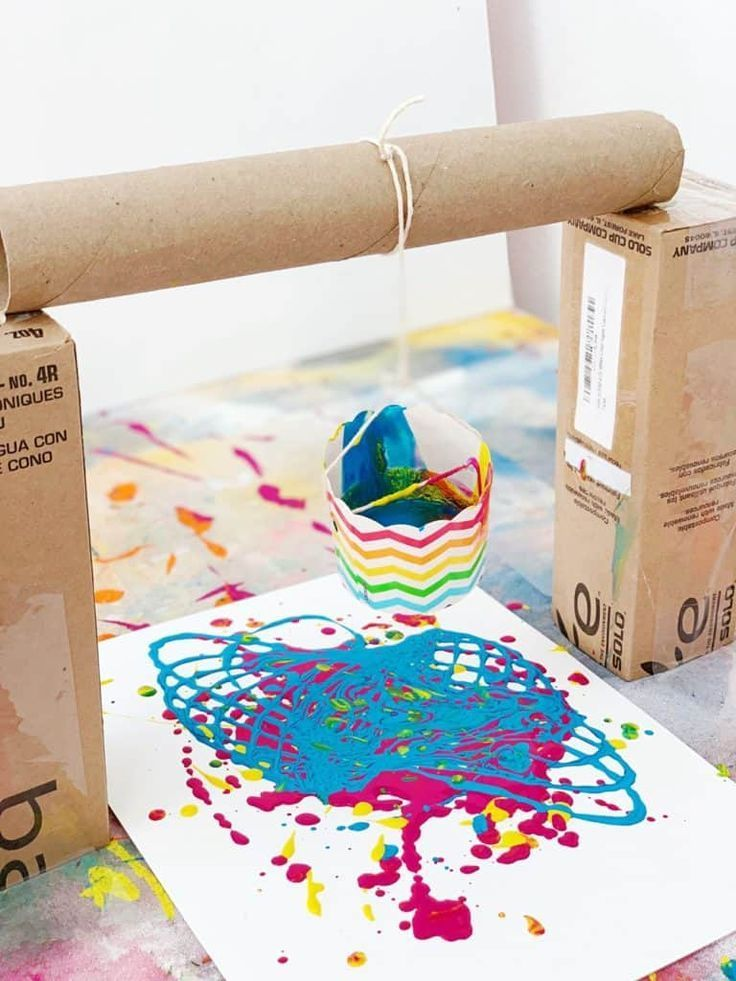 Pendulum Painting With Kids - Montessori art, Preschool art, Painting activities, Recycled art projects, Kids art projects, Art classroom - Create amazing art with this fun STEM painting activity using recycled materials!