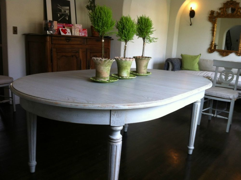 FRENCH/Swedish FLUTED LEG Oval DINING TABLE