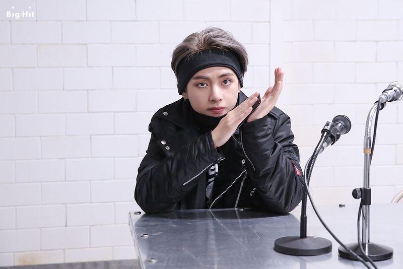Top 10 Most Handsome K Pop Male Idols 2020 Taehyung Kim Taehyung Bts Taehyung