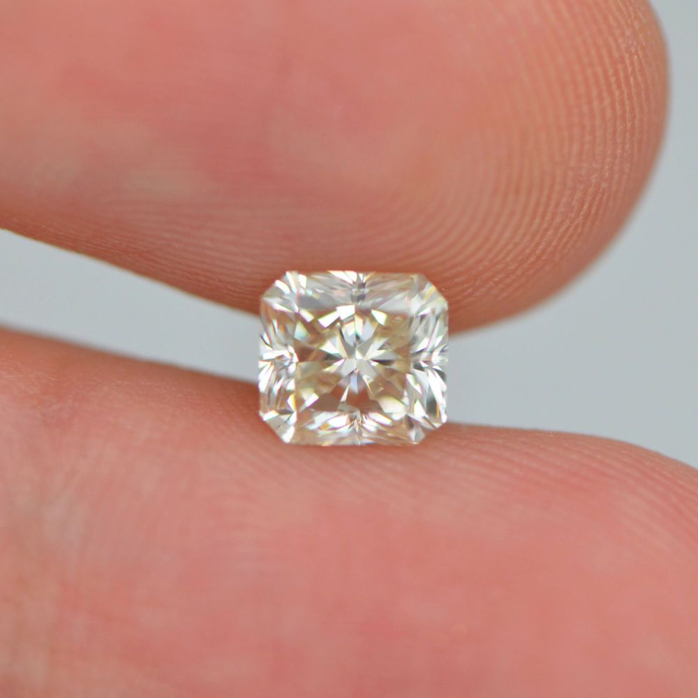Pin On Loose White Diamonds