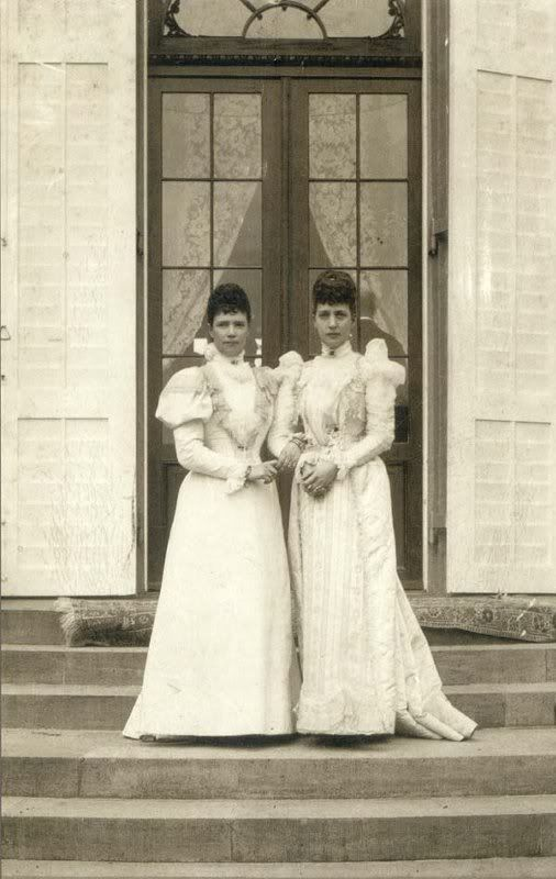 Sisters Empress Marie Feodorovana & Queen Alexandra, 1902.Married the kings of England and Russia.