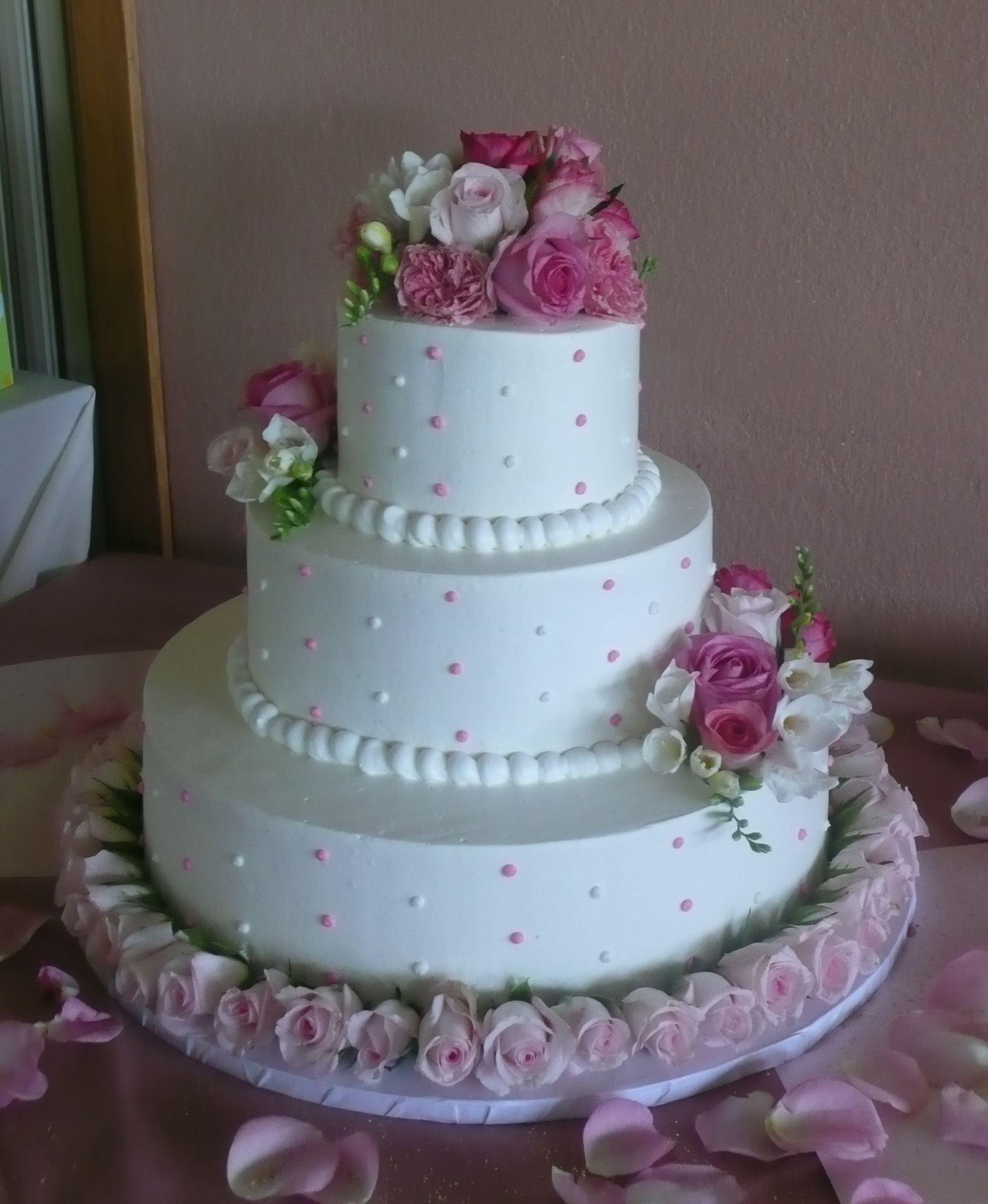 Tier Wedding Cake In a wedding ceremony or a wedding reception we