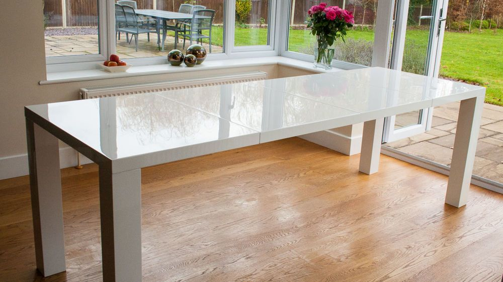 Ordinaire Large White Gloss Extending Dining Table