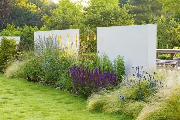 B cher design mit pflanzen moderne architektur im for Moderne pflanzen garten